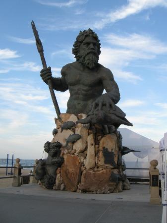 The Oceanfront Inn: Neptune Statue