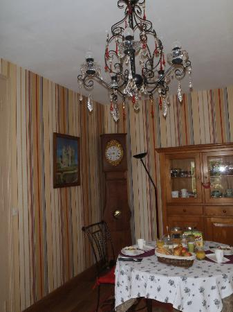 Logis Saint Mexme: Dining room
