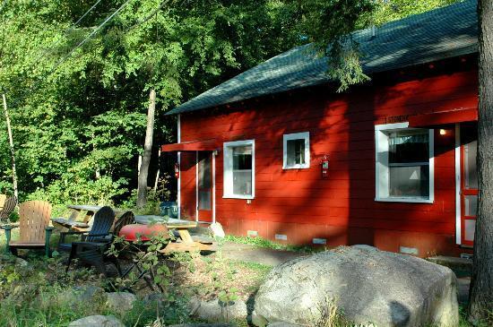 Hideaway Waterfront Cottages: Rockhaven