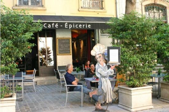 Cafe Epicerie : This was a wonderful lunch experience. Great de foie gras, reasonable prices for France.