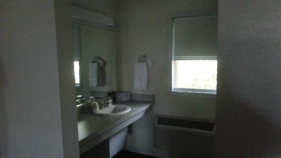 Chalet Motel Of Mequon: The vanity and window that actually opens!!