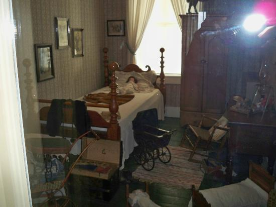 The Golden Lamb Inn: Museum room