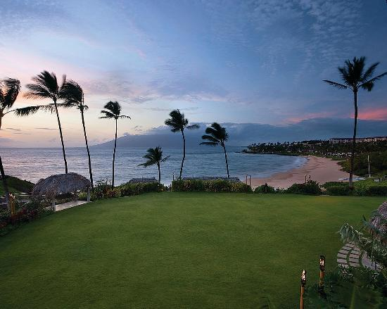 Four Seasons Resort Maui at Wailea: View of the grounds & Wailea Beach