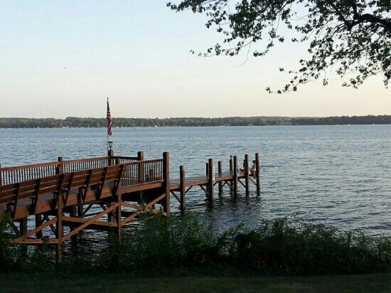 Heidel House Resort & Spa:                   green lake pier