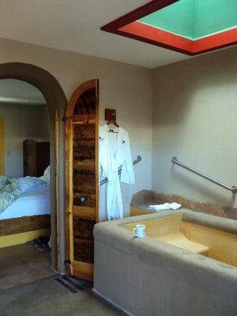 Blackstone Hotsprings Lodging & Baths: Blackstone Hotsprings