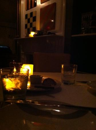 Theo's: ambiance so romantic