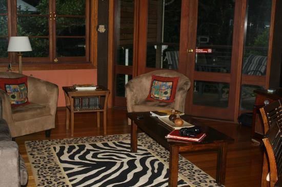 The African Cottage and Rondawel: main lounge area