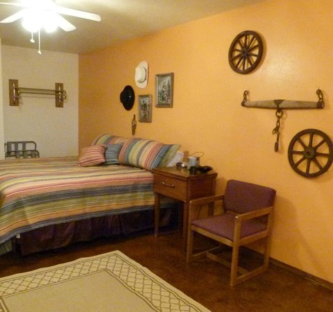 Pointe West Resort Motel: New decor !