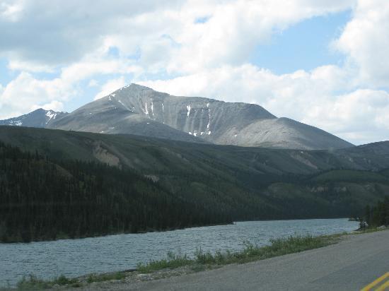 Tetsa River - Alaska Highway