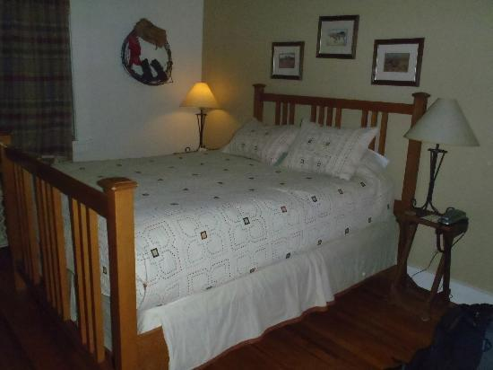 The Leland House Bed & Breakfast Suites Durango: Queen bed