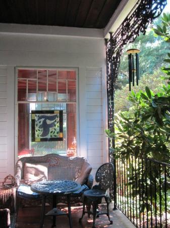 Faunbrook Bed & Breakfast: Porch