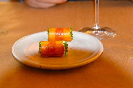 Willows Inn: Crispy rolled crepes with salmon roe