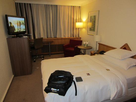 Sheraton Frankfurt Congress Hotel: Deluxe room
