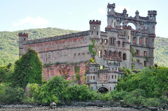 Bannerman S Island Arsenal Welcomes You Picture Of