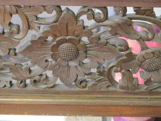 Melasti Legian Beach Resort & Spa: Woodwork
