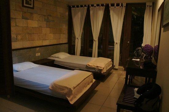 Duta Homestay : Chambre lits jumeaux