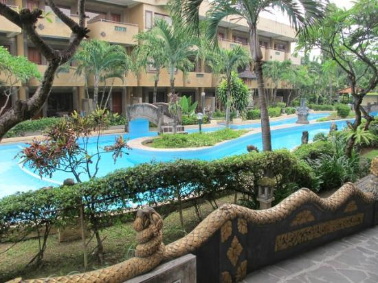 Melasti Legian Beach Resort & Spa: A Pool