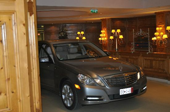 Interalpen-Hotel Tyrol: Our new Mercedes in the lobby
