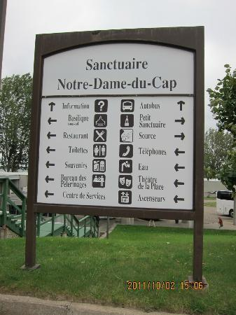 Sanctuaire Notre-Dame-du-Cap : 教会案内板