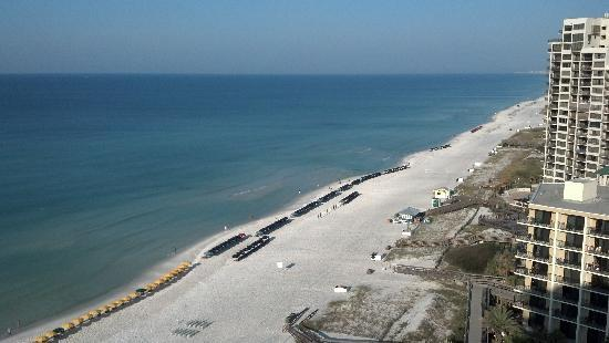 Hilton Sandestin Beach, Golf Resort & Spa: View of the beach from our room