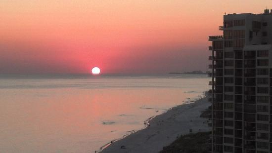 Hilton Sandestin Beach, Golf Resort & Spa: Amazing sunsets!