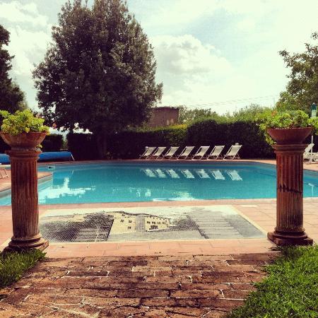 Villa San Lucchese Hotel: Pool