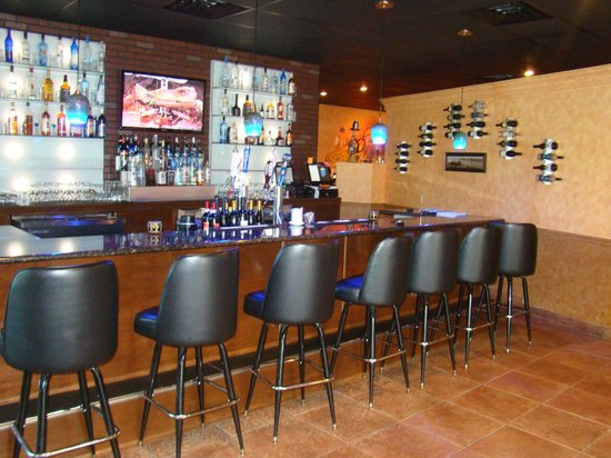 Anatolia Grill and Bar: full bar