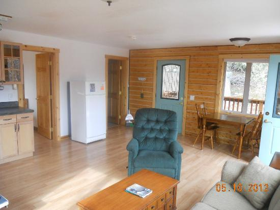 Currant Ridge: Living room view