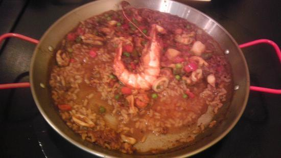 El sol : Gross... this paella was frozen and reheated via microwave.
