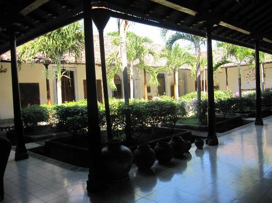 Hotel La Bocona: first courtyard