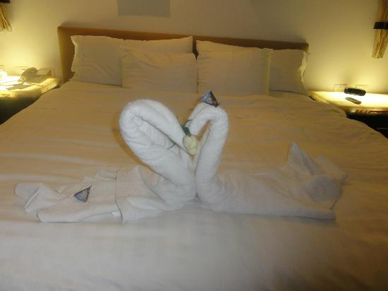 Playacar Palace: Little towel animal prepared each night