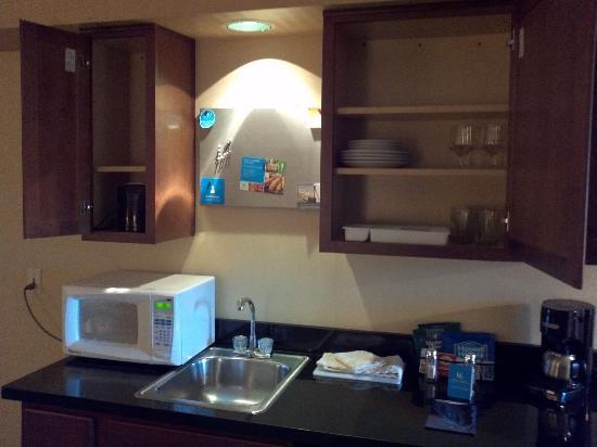 HYATT house Cypress/Anaheim: Kitchen items a plus