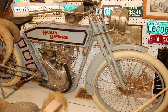 Miracle of America Museum (MoAM): Early Harley