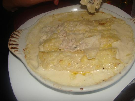 Trattoria Primitivo: Canelonis de pollo