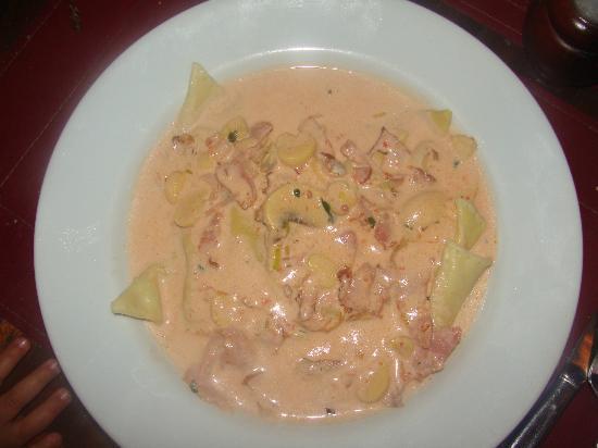 Trattoria Primitivo: Torteloni de jamon crudo