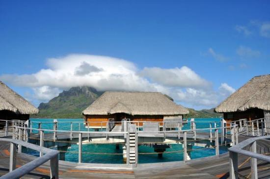 Four Seasons Resort Bora Bora: 300 wing view