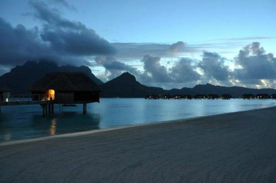 Four Seasons Resort Bora Bora: Evening Lagoon View