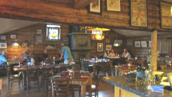 Nora's Fish Creek Inn: Dining area