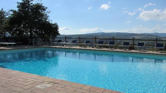 Fattoria di Vibio: piscina esterna