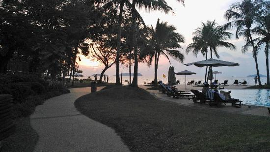 Sutera Harbour Resort (The Pacific Sutera & The Magellan Sutera): sunset