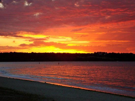 Hotel de la Pointe : Photo prise un matin sur la plage juste devant l'hôtel