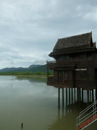 Langkawi Lagoon Resort : Rooms over the water