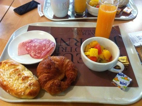 هوتل كيرياد مونبلييه سنتر: j ai adoré le menu de leur buffet petit déjeuner 