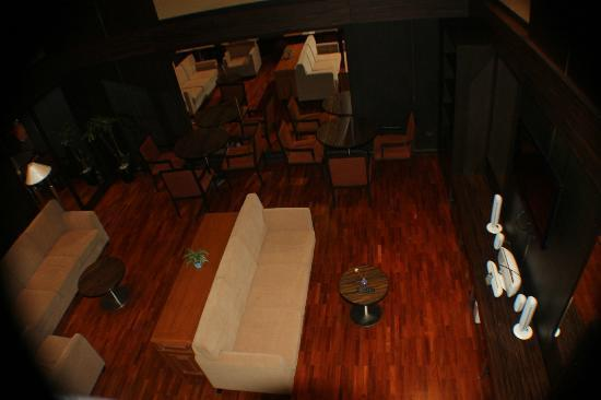 Bandara Suites Silom: 1st level of the business center