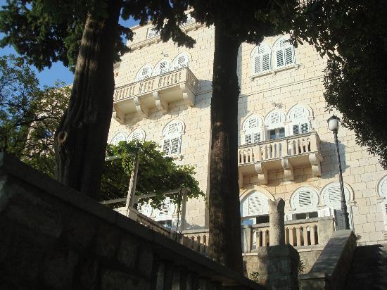 Villa Orsula: Hotel from outside