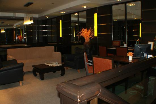 Bandara Suites Silom: computers are available for guest's use