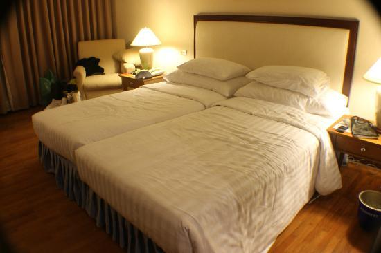 Bandara Suites Silom: superior room.
