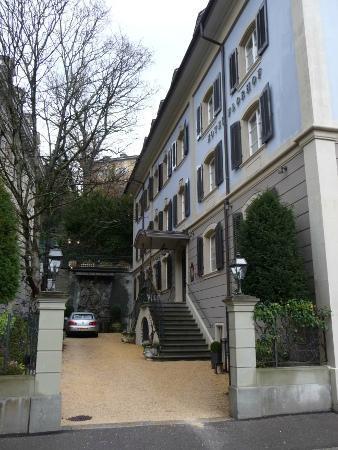 Hotel Florhof: Driveway