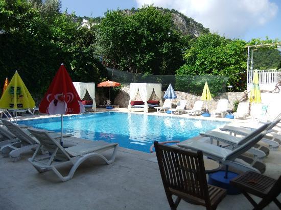 V-GO Hotel: Fantastic chilled swimming pool