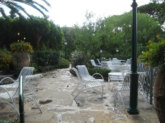 Grand Hotel Ambasciatori: Outdoor area